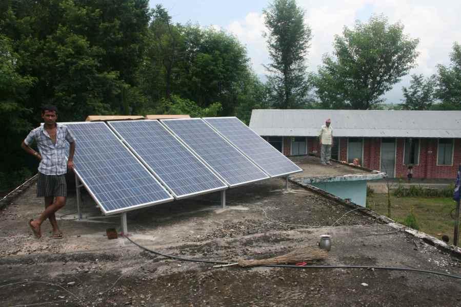 Solceller på taget af Shanti Priya