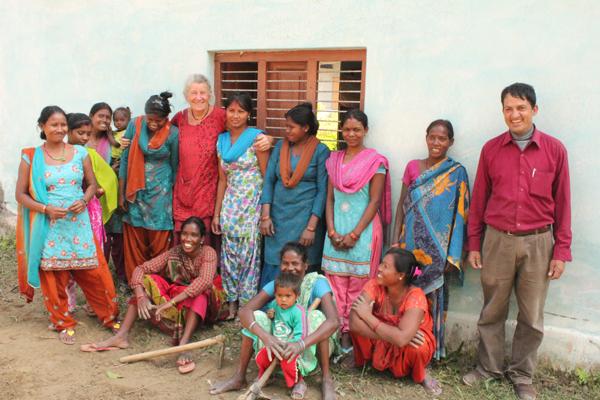 I november måned gik vi for alvor i gang med de to skolehaver på Shree Laxm i og Shree Shanti Priya school. Med os var mødrene fra Shree Shanti Priya, Lis Rasmussen, økolog fra Kieselgården og Umananda Dhungana fra Søbogaards nepalesisek forsøgsgård ved Bhaktapur.