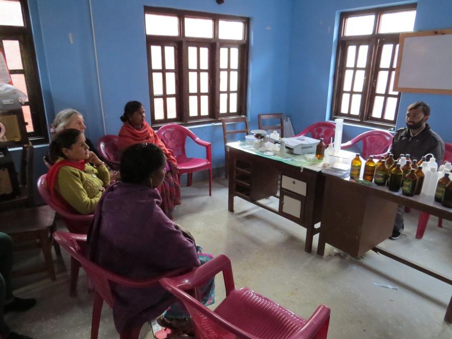 På besøg på landbrugskontoret i Kavre
